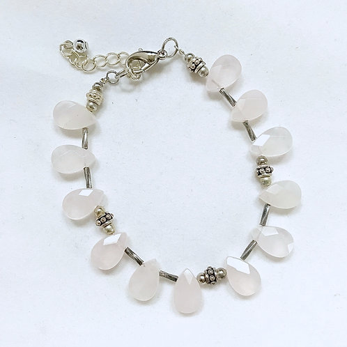 Light Pink Teardrop Fashion Bracelet