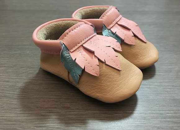 Minimocca Latte moccasins with Pink & Blue leaves