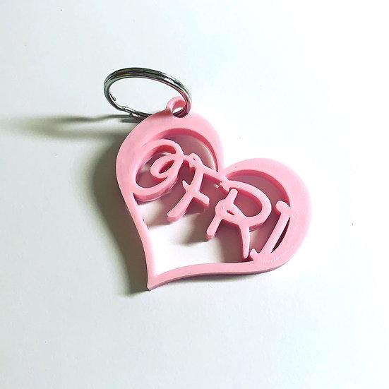 מחזיק מפתחות מעוצב בצורת לב