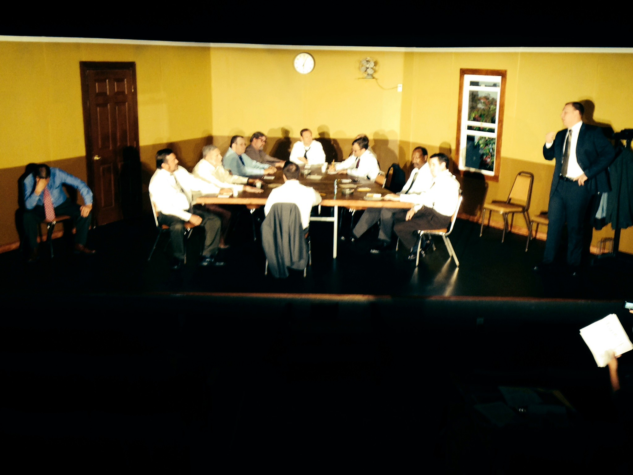 Twelve Angry Men 2014
