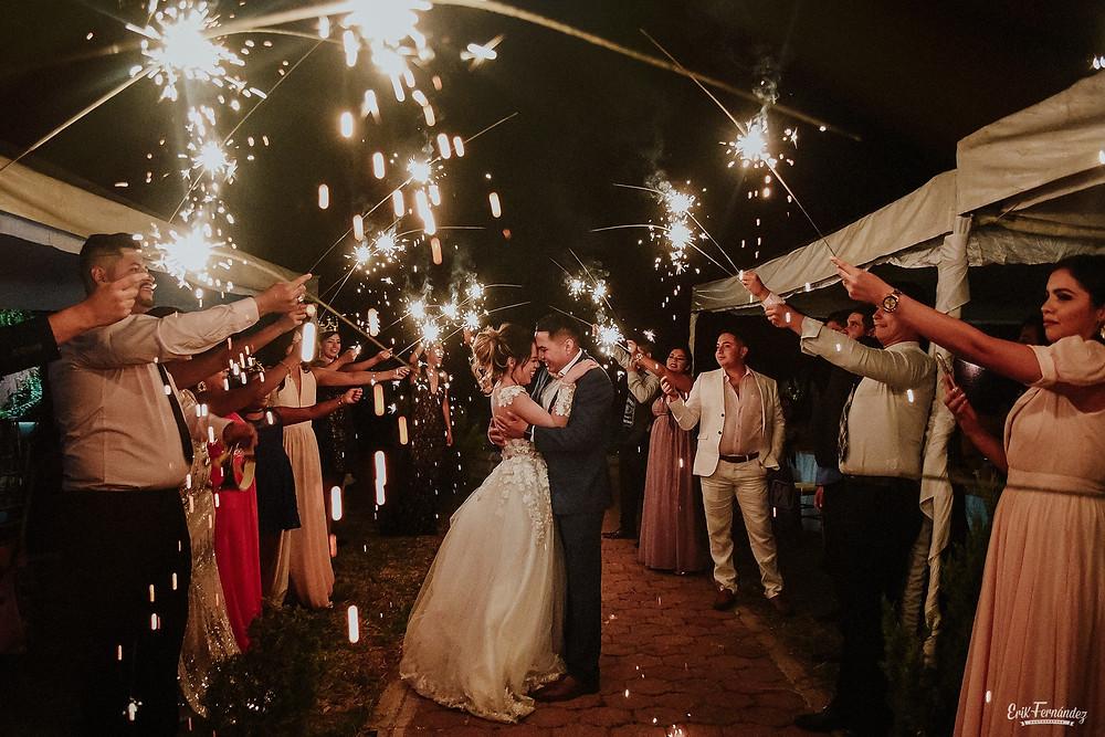 Una hermosa boda en El Pueblito, Durango, México.