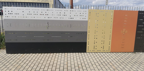 Wystawa z systemowych paneli ogrodzeniowych