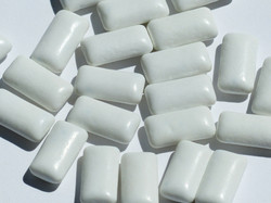 chewing-gum-115162_1920
