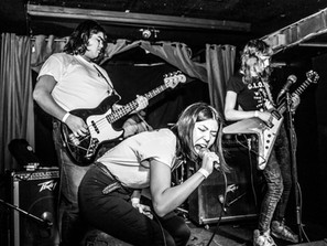 SPLIT SECONDS IN TORONTO PUNK: A CONVERSATION WITH LIVE MUSIC PHOTOGRAPHER, ALEX KRESS