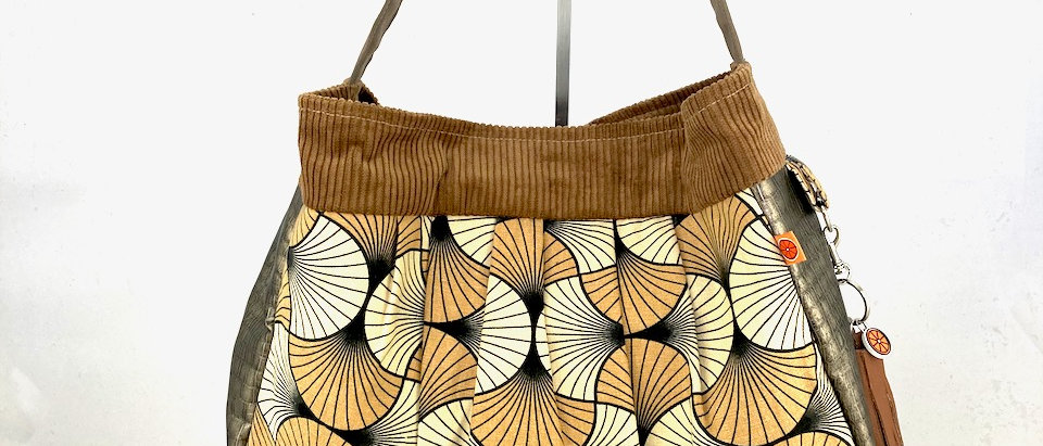 Tan Fan hobo bag