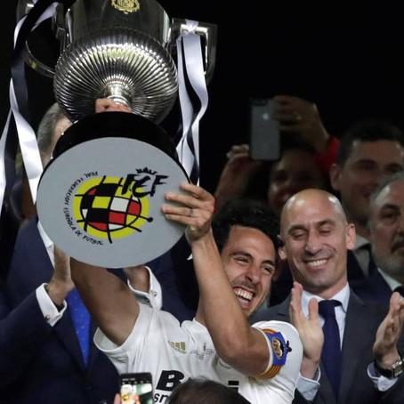Ximo Puig felicita al Valencia CF en la 99.9 Valencia Radio