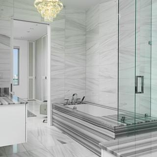 13C Bathroom.jpg