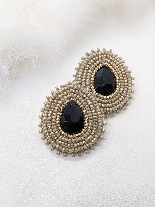 Classic Teardrops (Beige and Gold)
