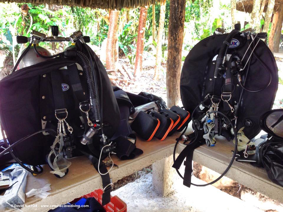 Cave diving gear