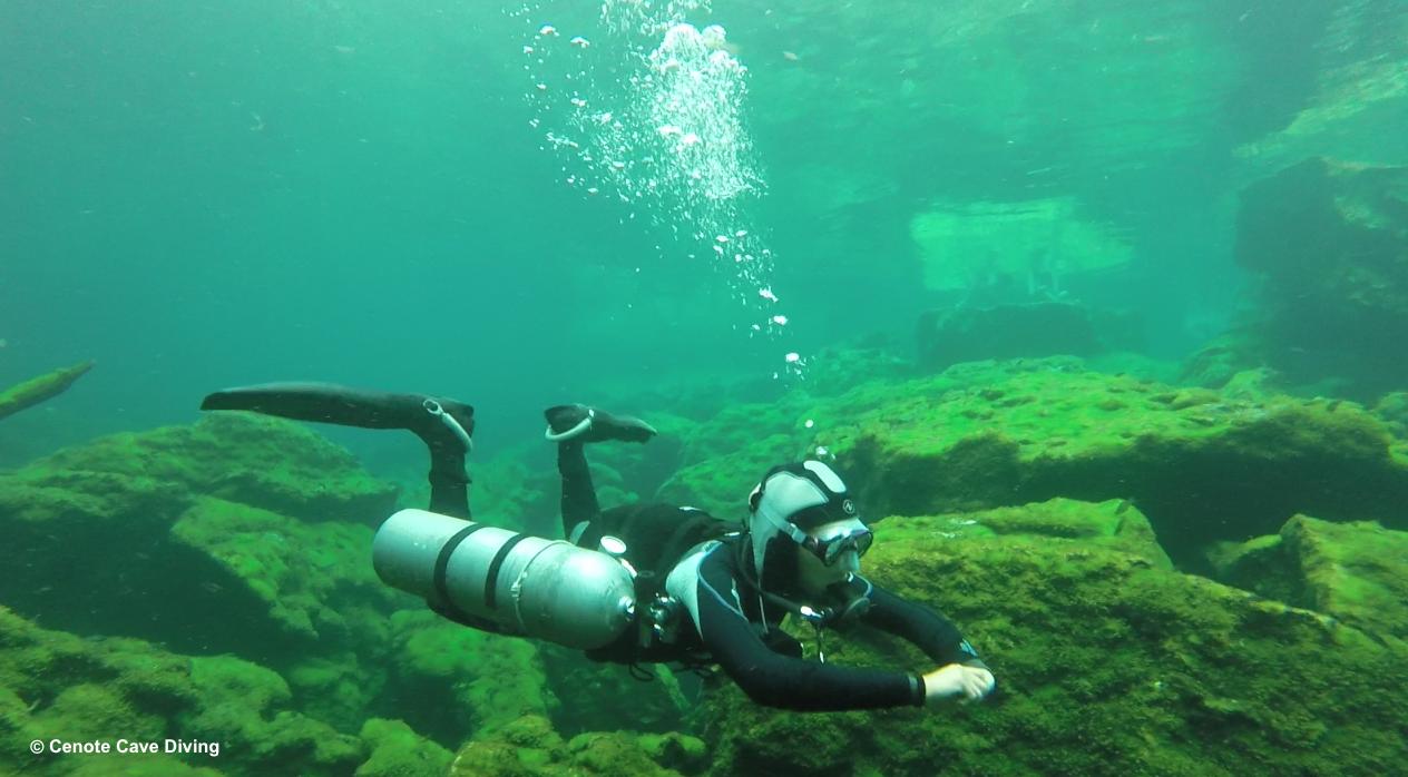 Sidemount diver TDI course