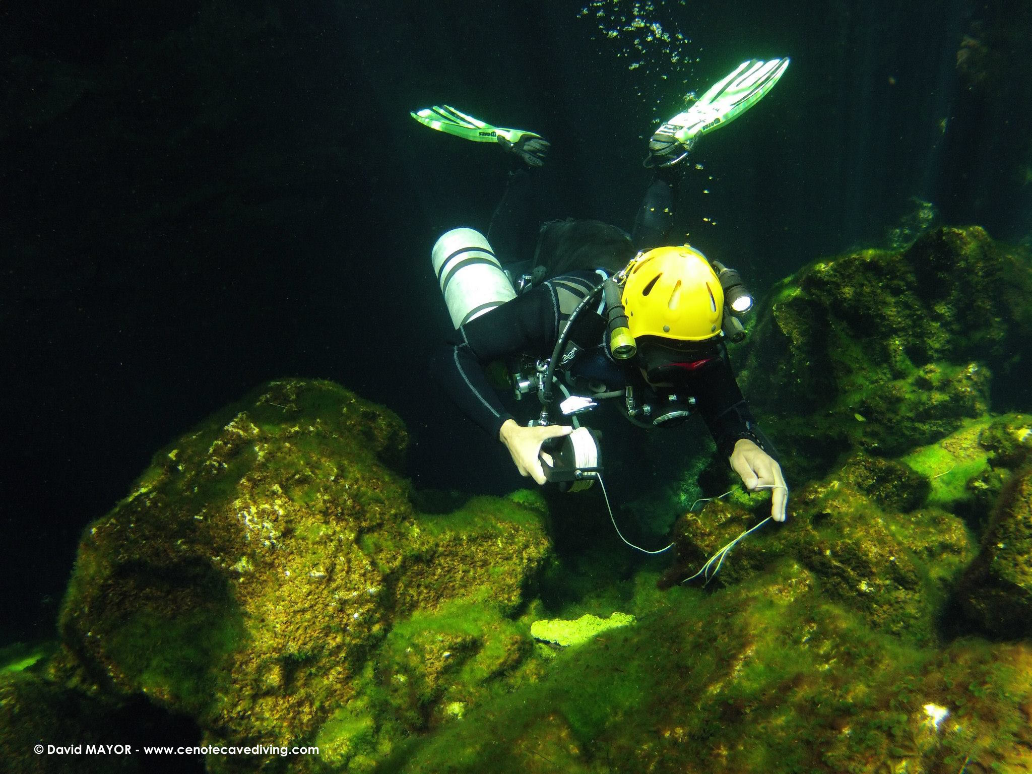Sidemount cave diving course