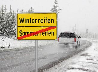 Ein rechtzeitiger Reifenwechsel spart bei einem plötzlichen Wintereinbruch lange Wartezeiten.