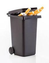 67860186-bouquet-de-cigarettes-dans-le-f