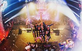Loco Loco Discoshow ft. Wipneus en Pim