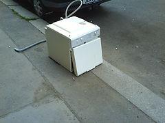 Elektroodpad na ulici, ilustrační foto