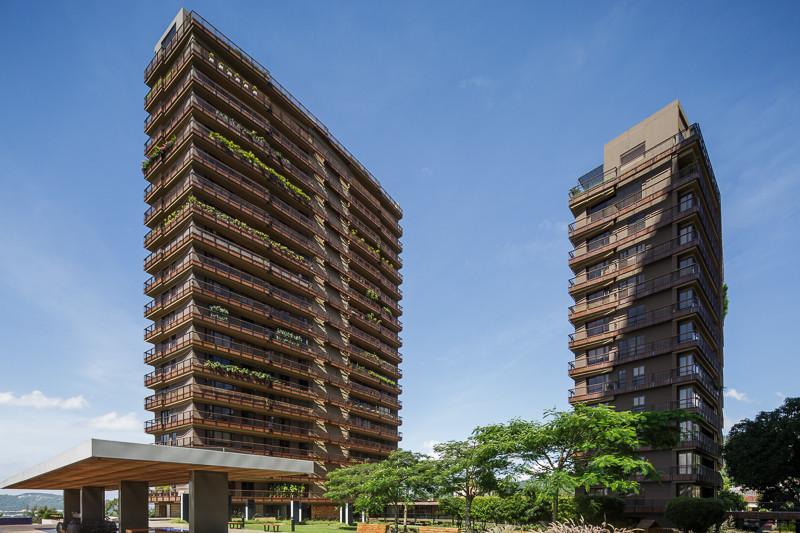 Torre 105 Campestre