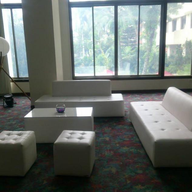 salas lounge 3.jpg