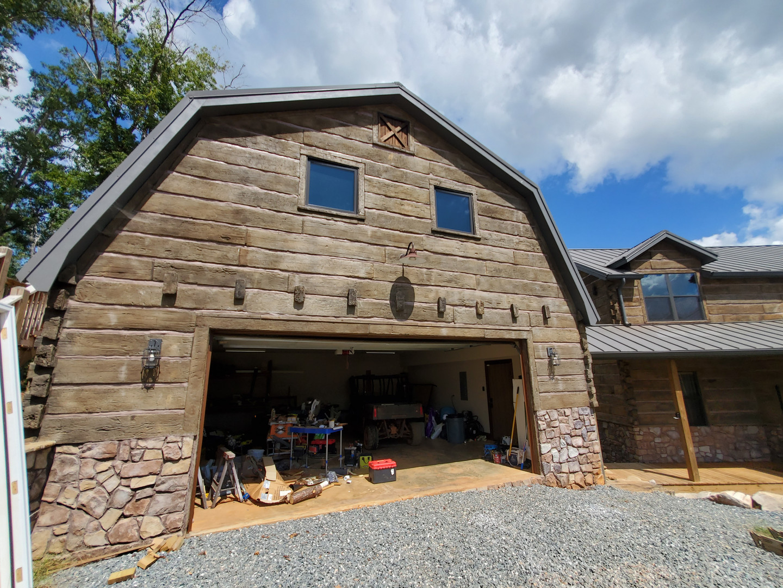 Andrews Chapel: The Barn Garage