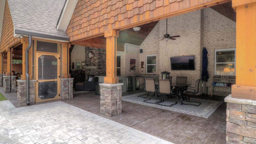 The Ashley: Outdoor Entertainment Space