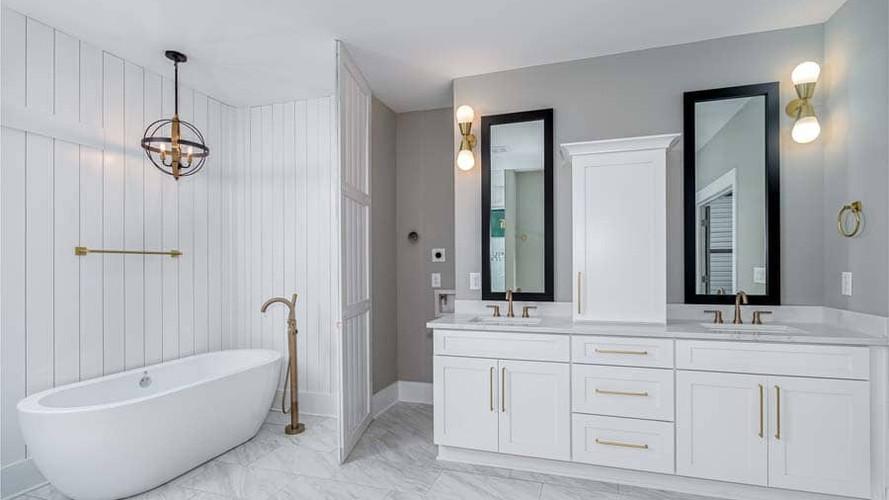 Charline Avenue   Spa Master Bath