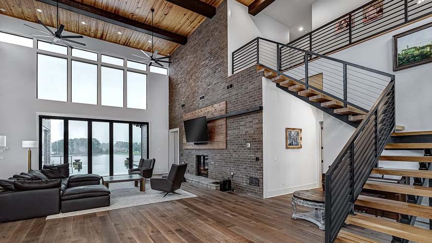 Emerald II: Modern Living Space