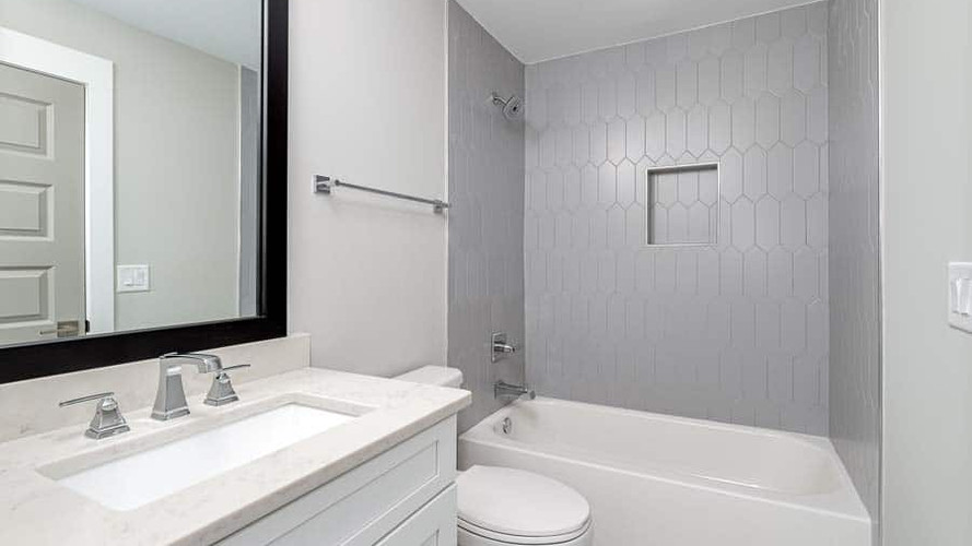 Charline Avenue: Custom Tile Bathroom
