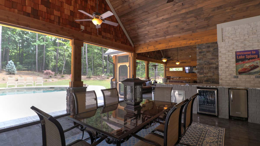 ashley17.jpgThe Ashley: Outdoor Entertainment Space