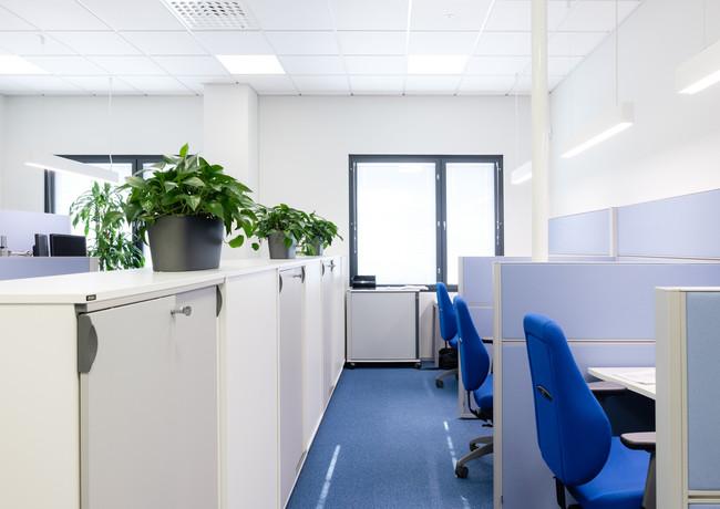 Vanha ja uusi yhdistyvät toimistossa