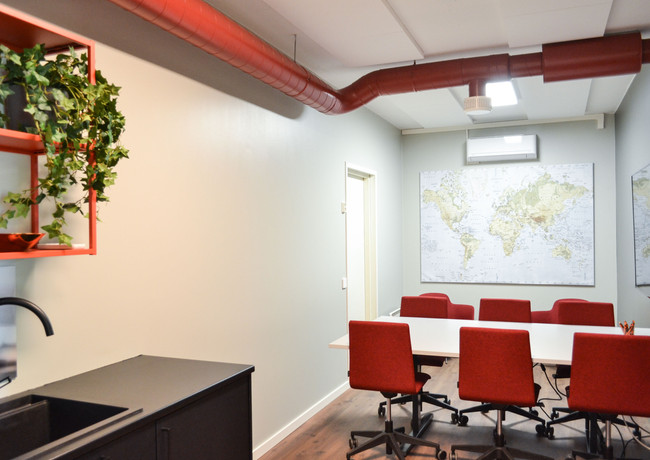 toimisto-neukkari1.jpg