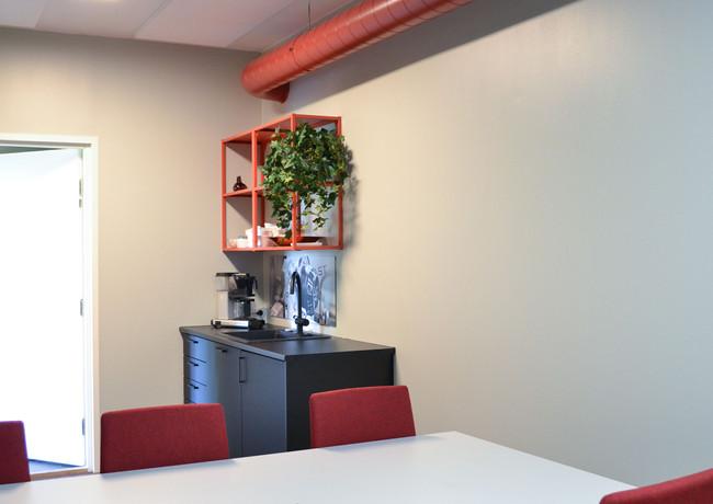 toimisto-neukkari2.jpg