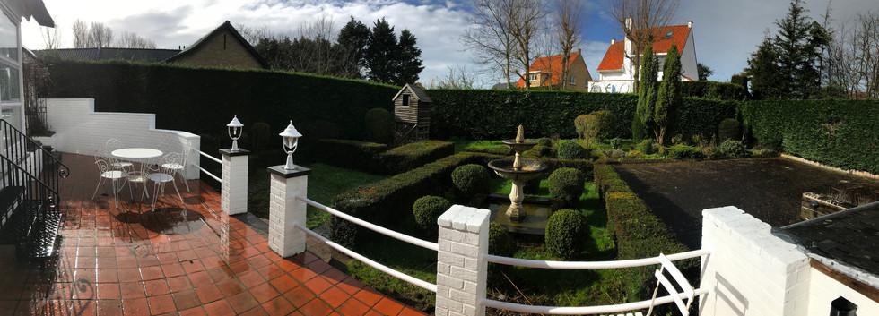 Grande terrasse + jardin pano.jpg