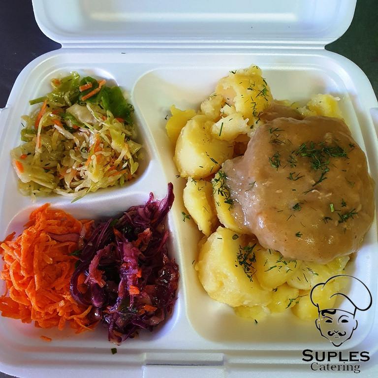 Befsztyk wieprzowy w sosie, ziemniaki/frytki/kasza/ryż, surówki