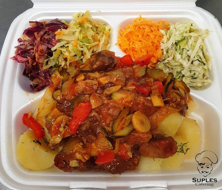 Wieprzowina w sosie meksykańskim, ziemniaki/frytki/kasza/ryż, surówki