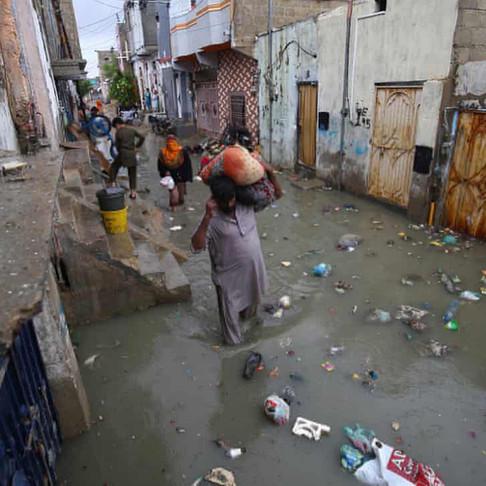 Crisis in Karachi - Flood Relief for Poor