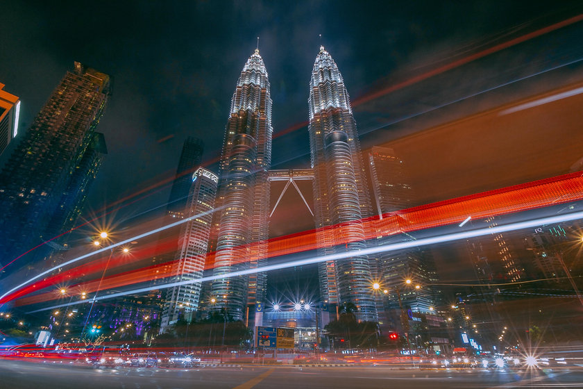 time-lapse-photography-of-petronas-twin-