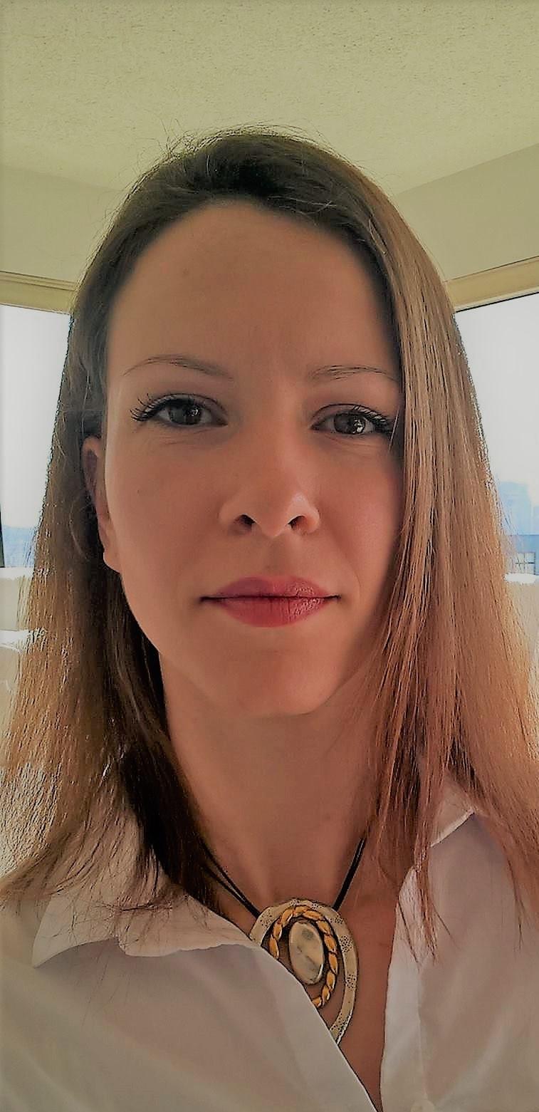 Marina Zaric, real estate broker