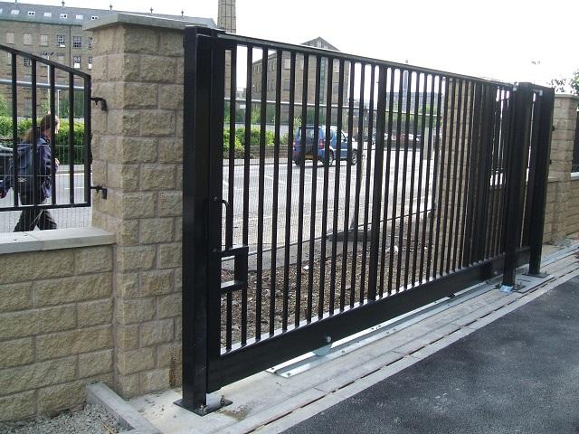 Производство откатных ворот металл