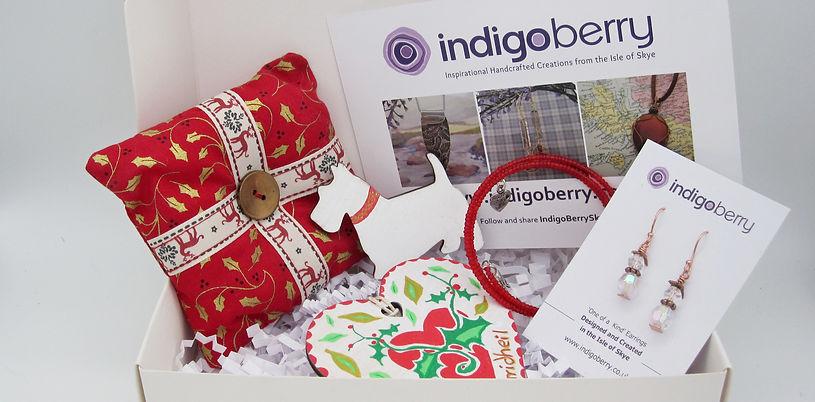 gift box red gaelic heart 7.JPG