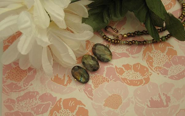 labradorite triple necklace landscape.jp