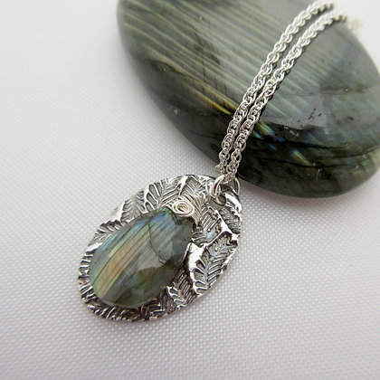 Handcrafted silver necklace with labradorite