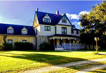 Historic bed and breakfast faces east near Ocala and The Villages