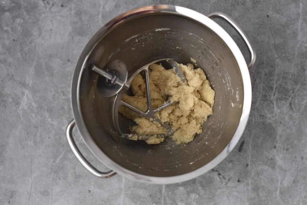 הסוכרים מוטמעים בחמאה