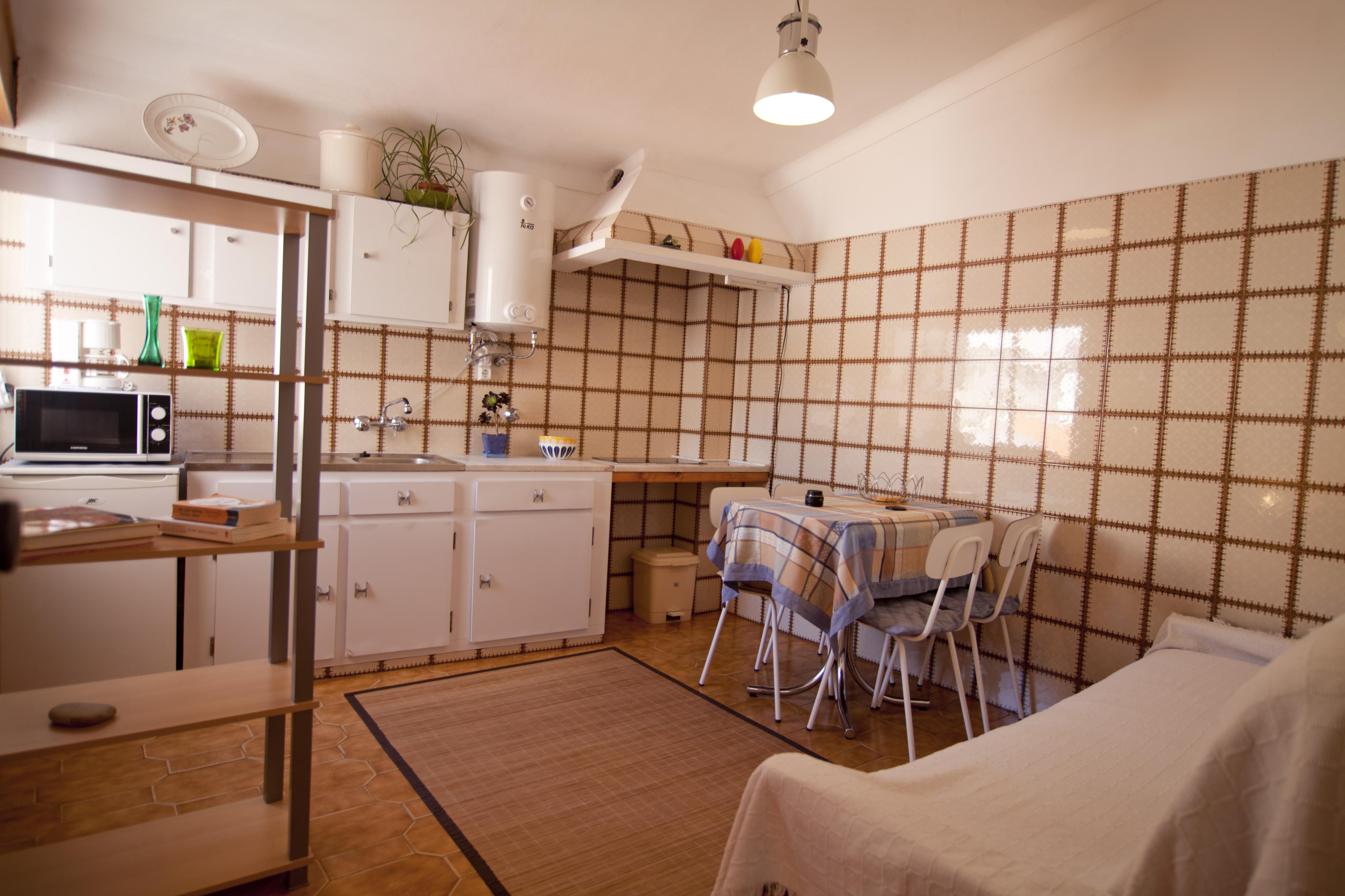 Hostel Odeceixe apartamento cozinha