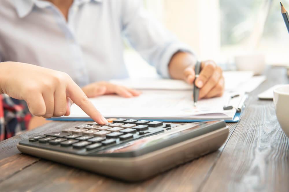 Munkaszemüveg támogatás adózási tudnivalók