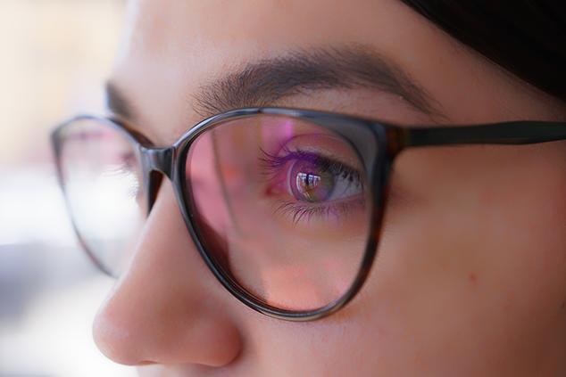 Dioptriás monitor szemüveg előnyei