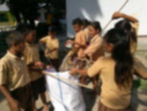 Collecte des déchets plastiques avec les écoles sumbanaises