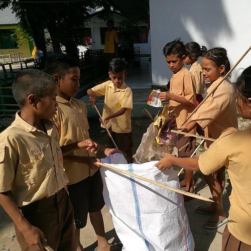 Les enfants de l'école de Melolo en pleine action