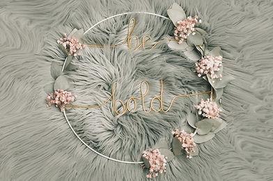 Couronne en filaire et fleurs séchées -