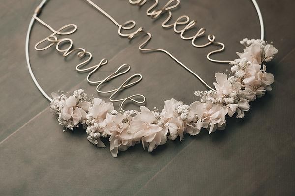 @hautcommetroisperles couronnes en filaire et fleurs séchées