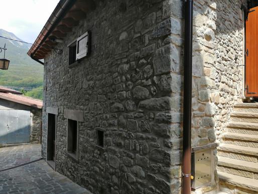 Turismo in Appennino: albergare nella stalla di Cà d'Minghett a Cerreto Alpi